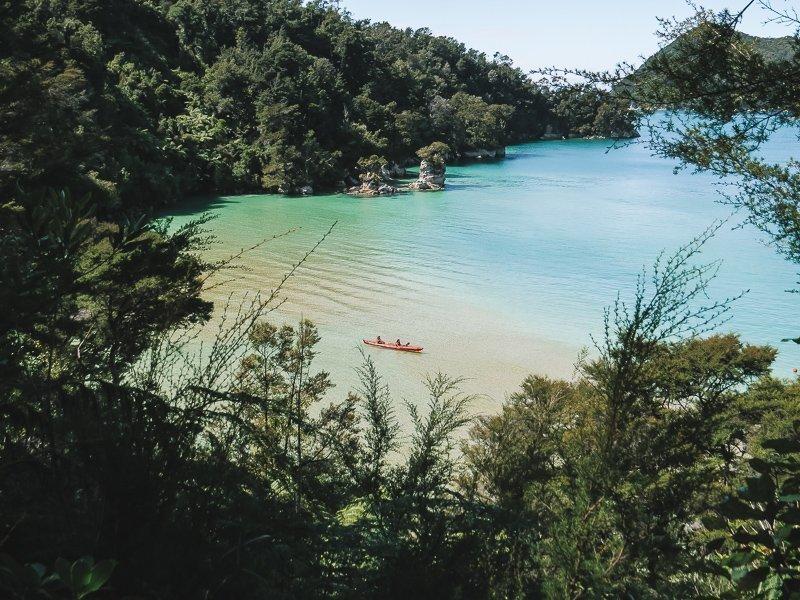 De prachtige baaien van Abel Tasman. Niet voor niets staat dit park in mijn top tien mooiste plekken Nieuw-Zeeland!