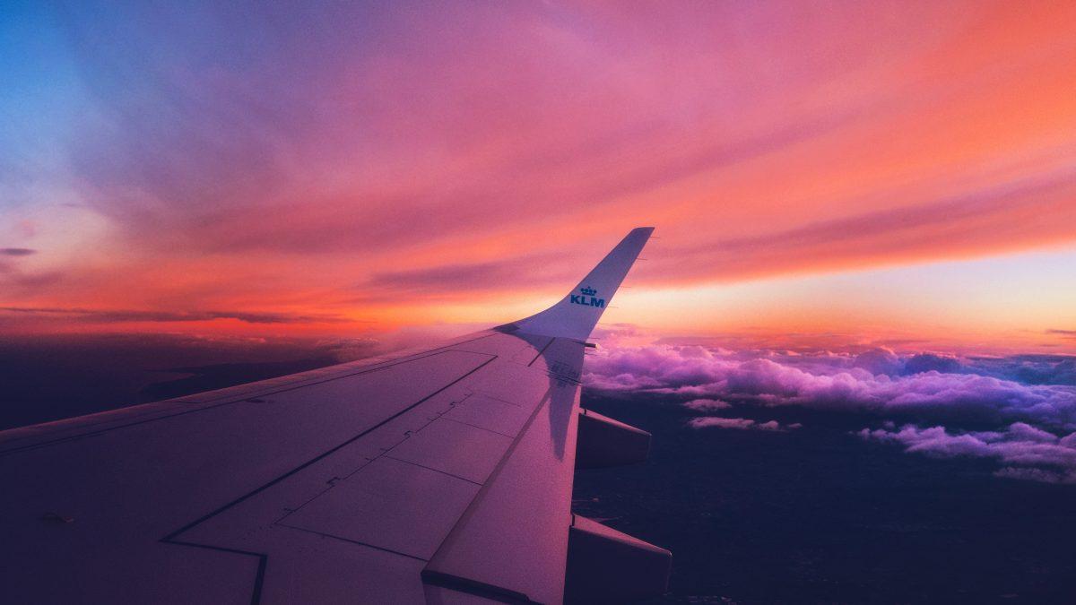 Zonsondergang tijdens het vliegen