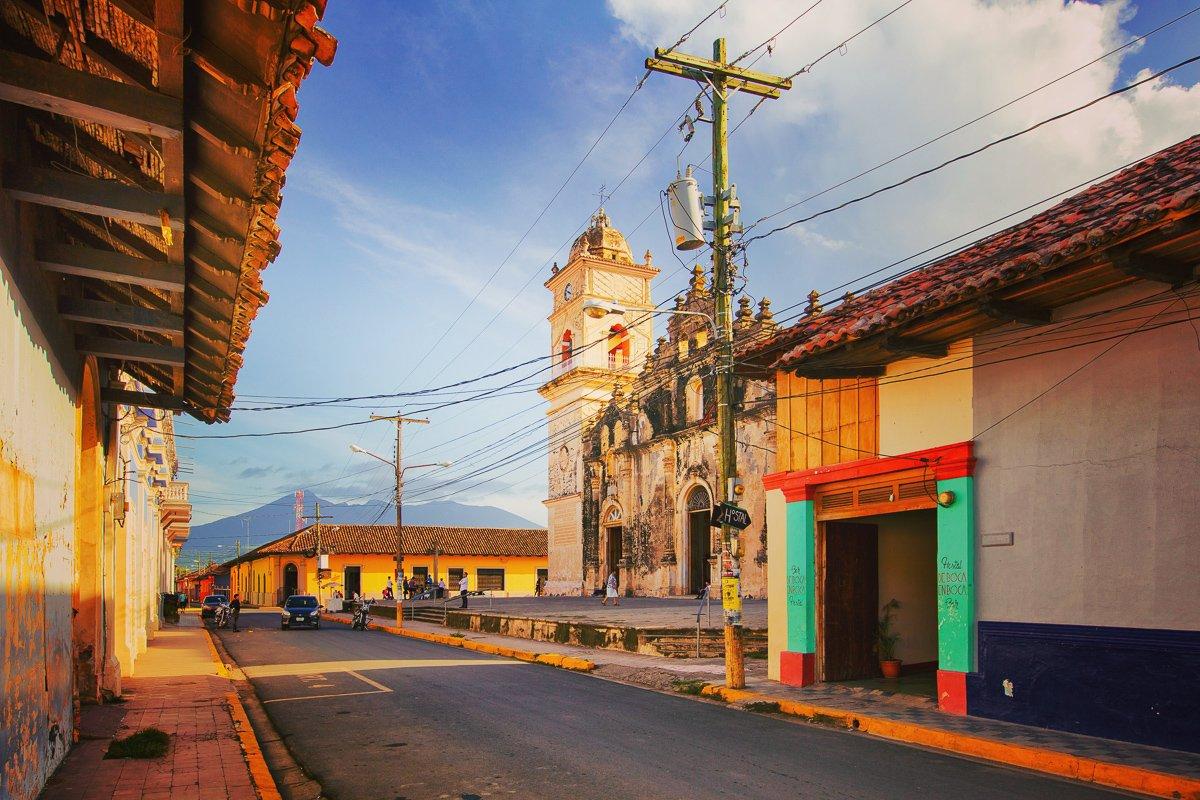 Deze kleurrijke en koloniale panden is één van de redenen waarom je moet reizen door Nicaragua!