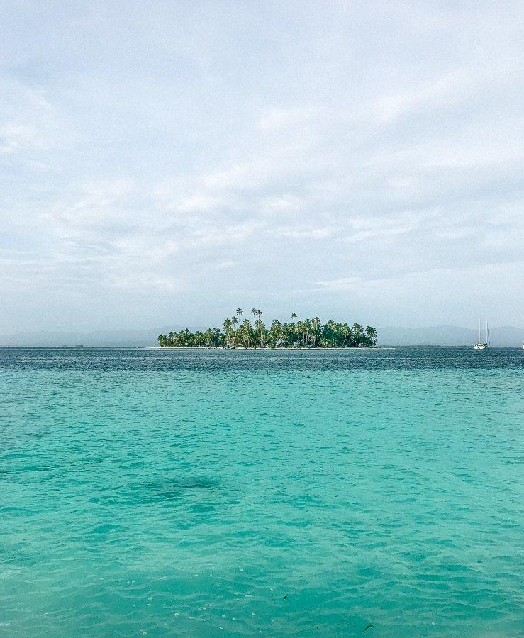 San Blas eilanden motorboot of zeilboot
