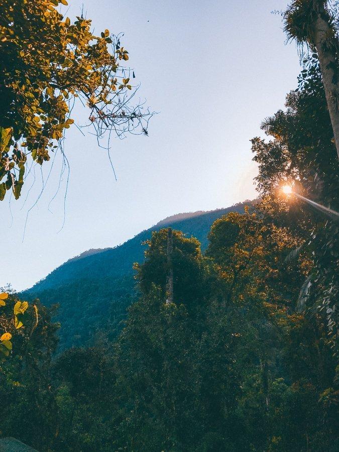 Zonsopgang in Sierra Nevada tijdens de Lost City trekking