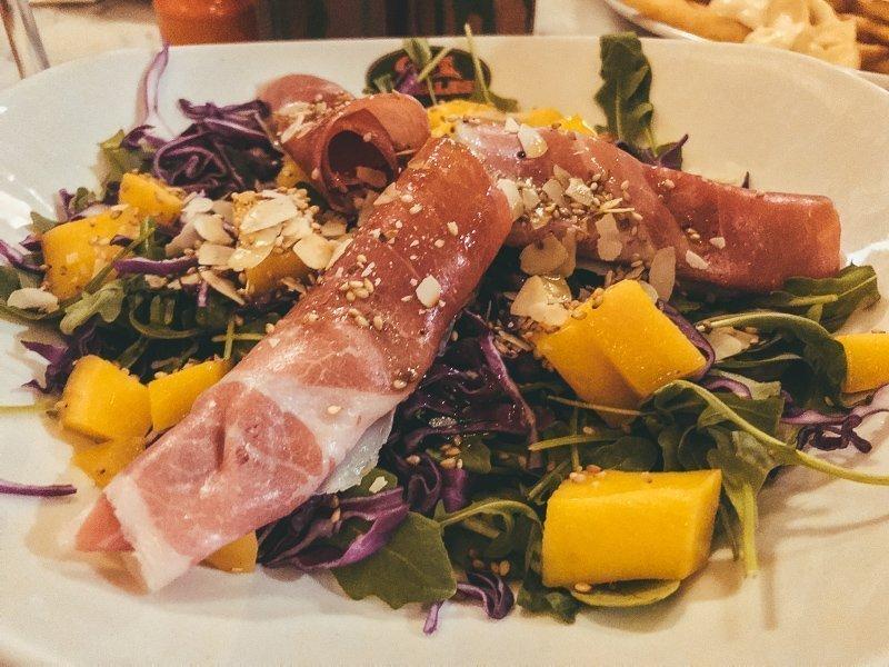 Op Gozo kun je erg lekker eten en drinken.