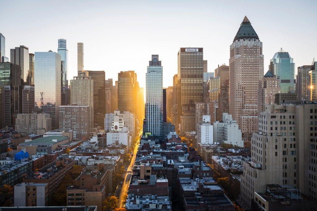 Tijdens de eerste keer New York kun je het beste in Manhattan slapen.