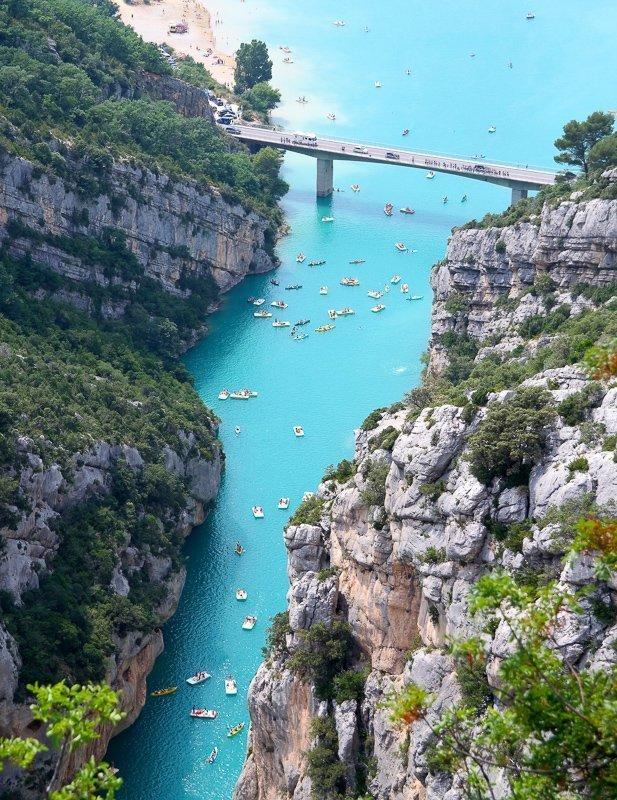 Vanaf de kano heb je ook spectaculaire uitzichten!