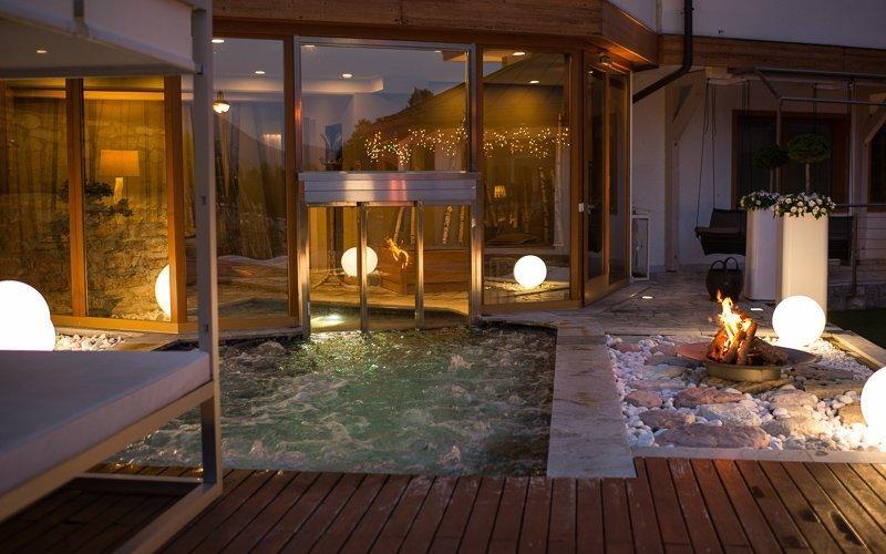 In Trentino Italië vind je veel bergen en in die bergen kun je relaxen in de spa. Hoe te gek is dat?!