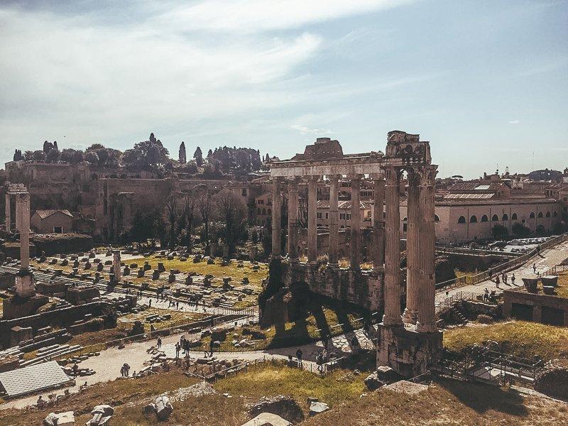Tijdens een bezoek mag je het Forum Romanum niet missen!
