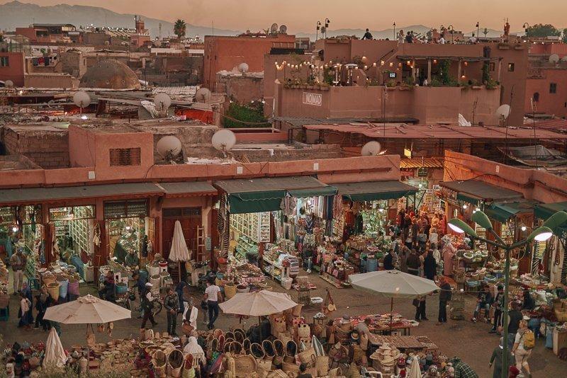 Een van de belangrijkste Marrakech bezienswaardigheden: de Djemaa el-Fna!