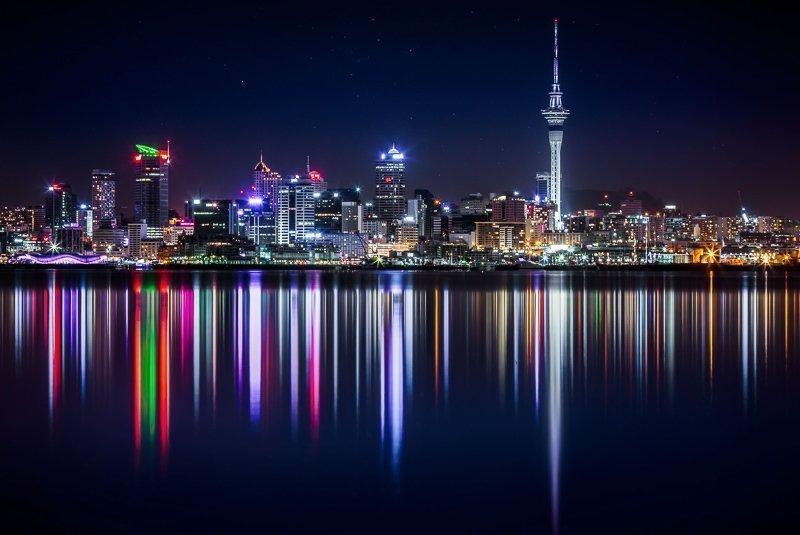 De lichtjes van Auckland in de avond, een mooi gezicht!