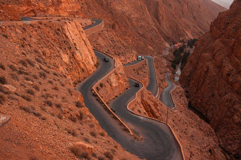 Marokko is een ontzettend goed roadtrip land, waarbij je het Atlasgebergte doorkruist.