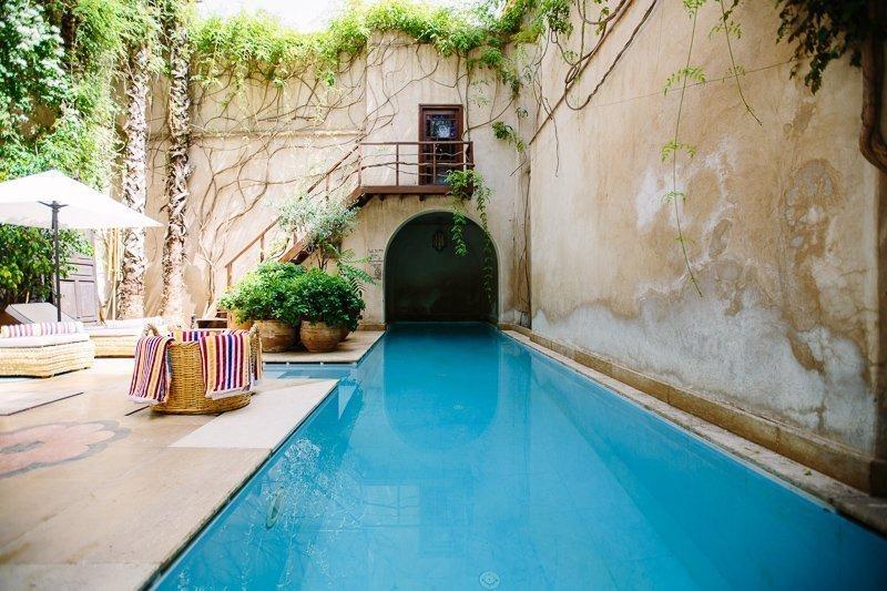 Een heerlijk zwembad in een van de Riads.