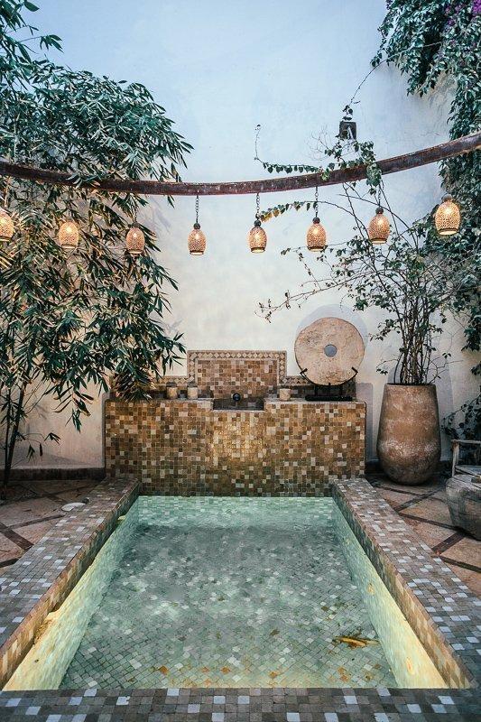 Wat je zeker moet doen in Marrakech: slapen in een prachtige riad.