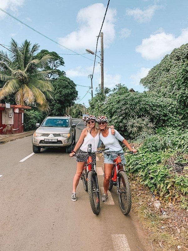 Een fietsexcursie vond ik echt een van de beste Mauritius tips.