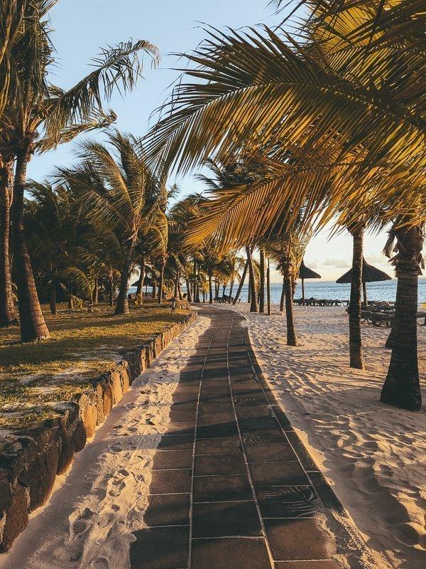 In Mauritius ben je nooit ver weg van de kust.