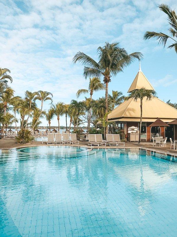 Neem een duik in dit heerlijke zwembad voor wat afkoeling.