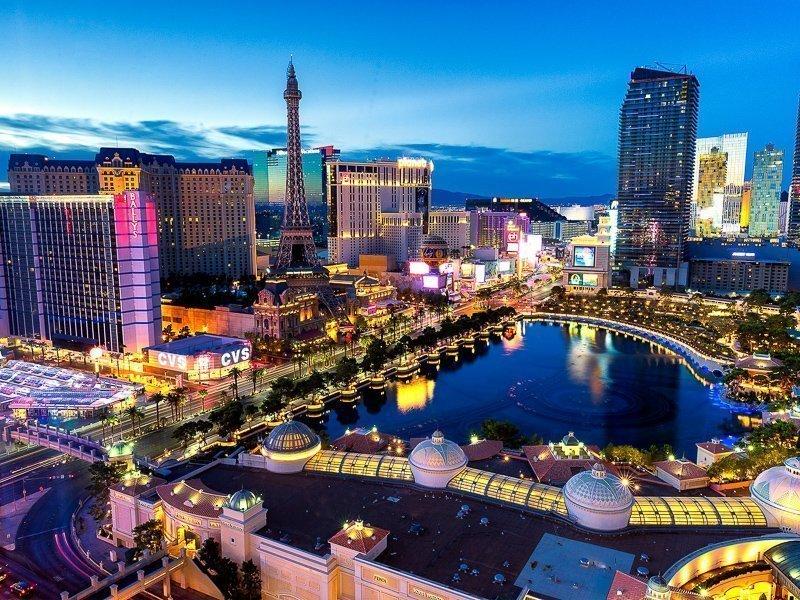 Las Vegas mag dan niet een van de mooiste plekken ter wereld zijn, het is absoluut wel een van de bucketlist bestemmingen.