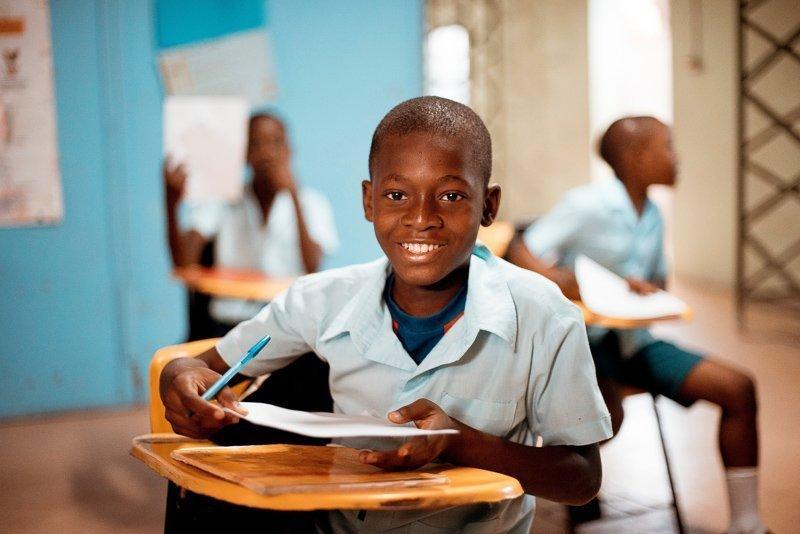 Geef taalles op een school als je wat geld wilt verdienen op reis.