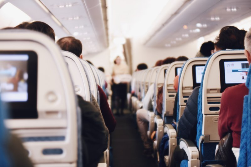 Blijf actief tijdens een vlucht om zo brakheid tegen te gaan.