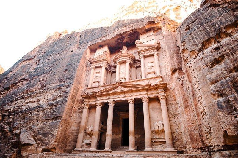 Petra in Jordanië moet op menig bucketlist staan.