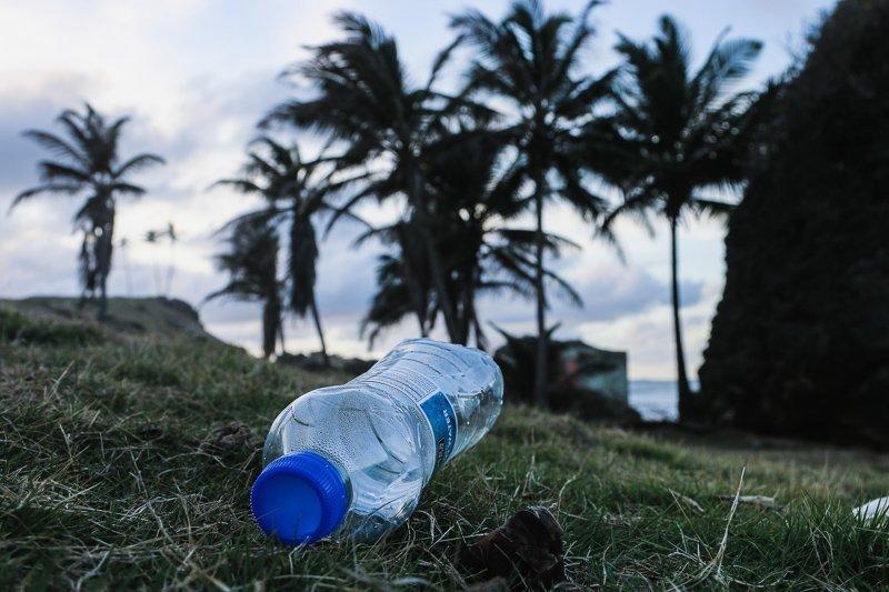 Wil jij zo milieuvriendelijk mogelijk reizen? Probeer dan zoveel mogelijk plastic te vermijden.
