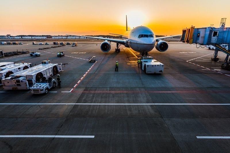 Word lid van een loyaliteitsprogramma, spaar miles en check daarmee sneller in op een vliegveld.