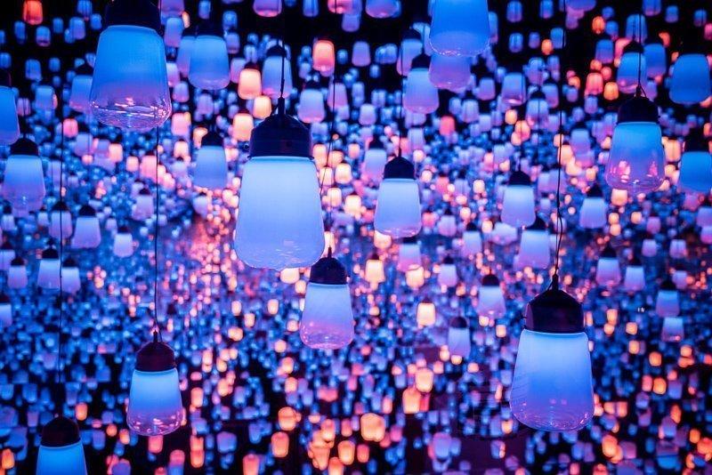 Bezoek ook zeker het Digital Art Museum in Odaiba, een digitaal eiland.
