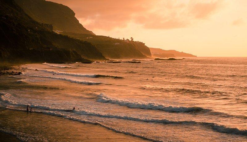 Wil je een zonvakantie in onze winter houden, maar wil je niet te ver weg reizen? Denk dan eens aan de Canarische eilanden!