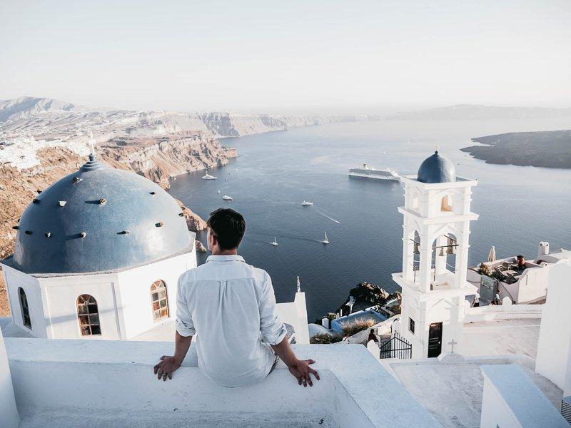 Santorini in Griekenland mag zich absoluut een van de mooiste bestemmingen van de wereld noemen.