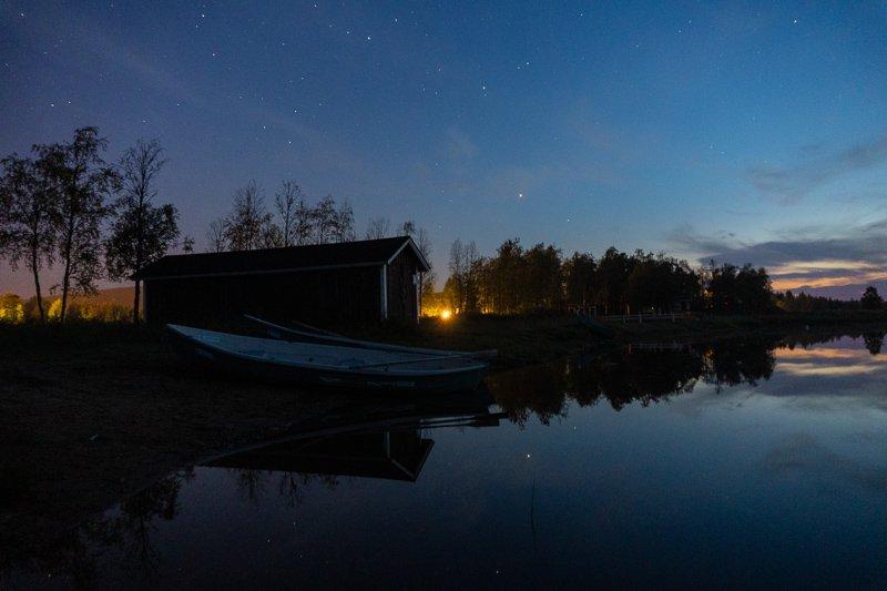 Spendeer een avond bij een summer cabin in Yllas voor het ultieme outdoorgevoel.