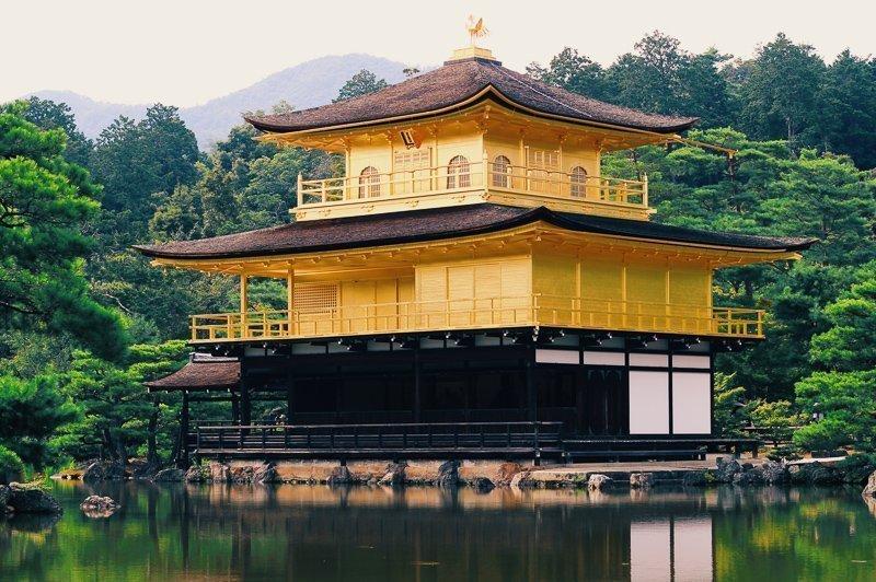 De Kinkaku-ji tempel is de populairste tempel in heel Kyoto.