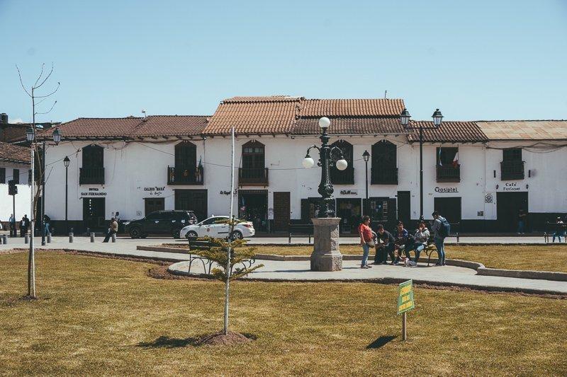 Het altijd gezellige centrum van Chachapoyas in Noord-Peru.