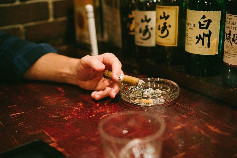 Ga naar Pontocho Alley met een gids en drink sake in de barretjes.