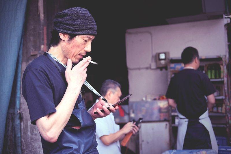 Een Japanse regel: roken op straat is verboden.