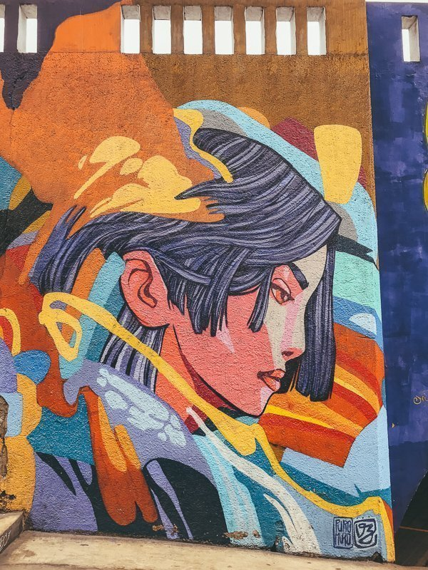 De wijk Barranco draait volledig om kleur en kunst.