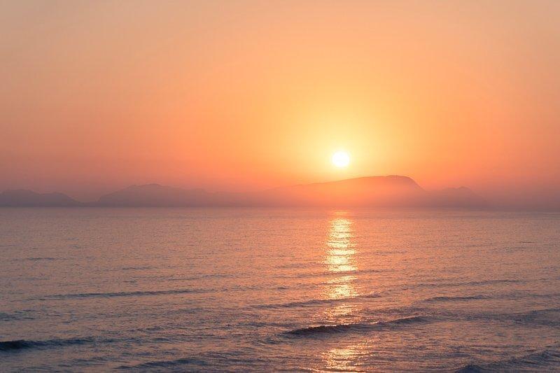 Bekijk de zonsondergang vanaf de Love Park.