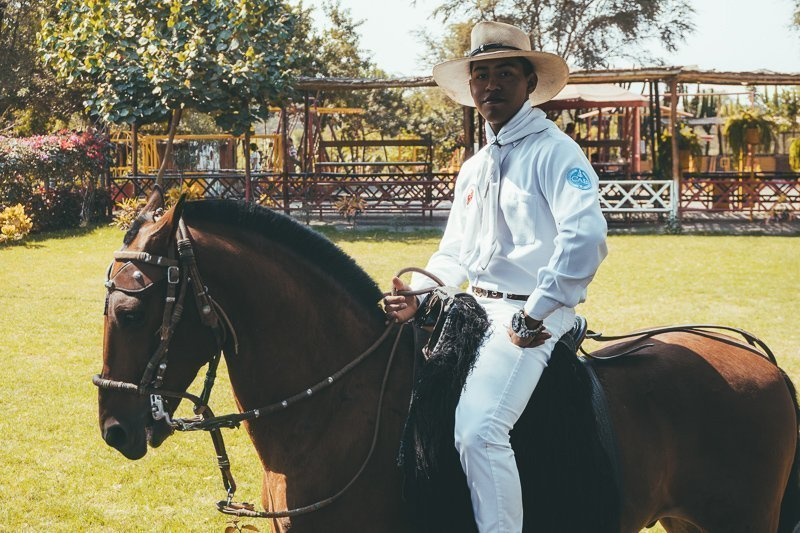 Een paardenshow bij Casa Sipan nabij Chiclayo in Peru.