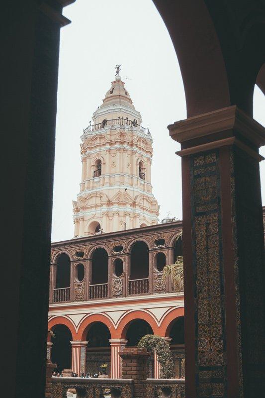 Het klooster kent mooie architectuur.
