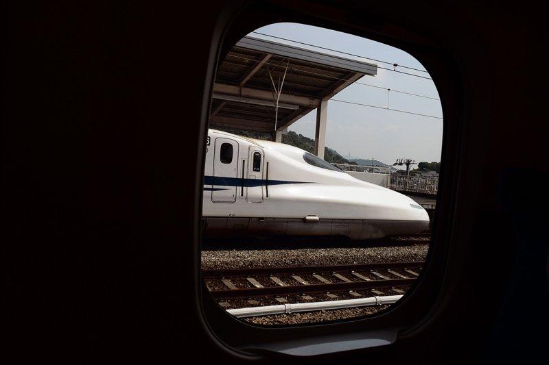 De Shinkansen trein moet je zeker hebben uitgeprobeerd in Japan, het fijnste vervoer in Japan.