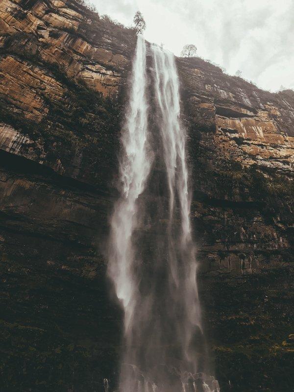 Watervallen en jungle in Peru.
