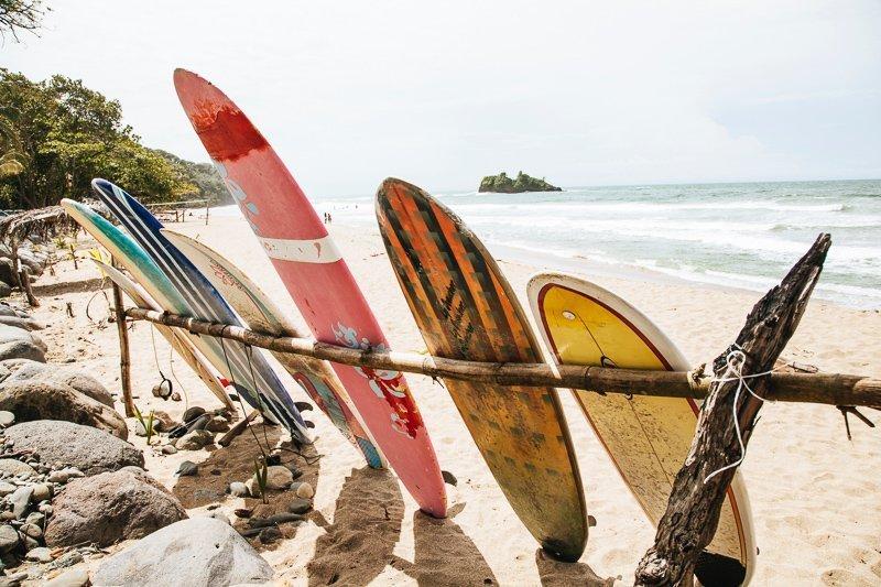 Costa Rica is het ideale land voor surfers.