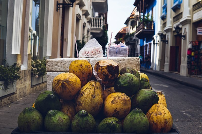 Vers fruit in de straten van Cartagena