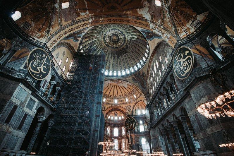 De binnenkant van het prachtige Hagia Sofia.