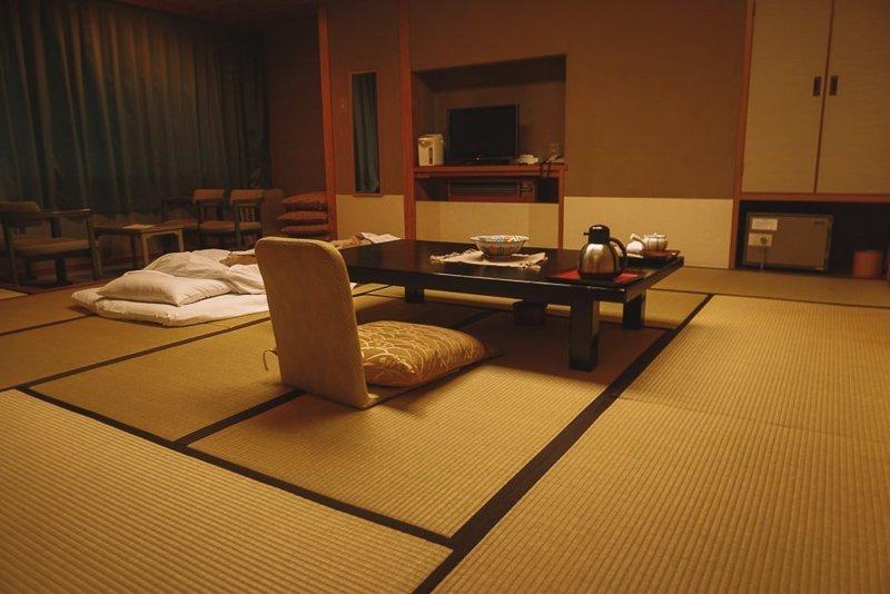 Je kunt zeker in goedkope hostels en hotels slapen in Japan, maar accommodaties in Japan blijven duur.