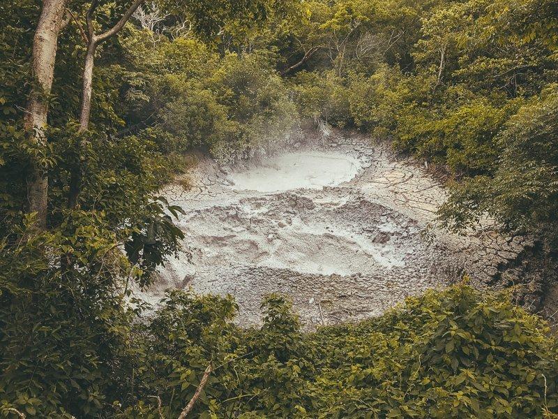 De modderpoelen in Rincon de la Vieja National Park.