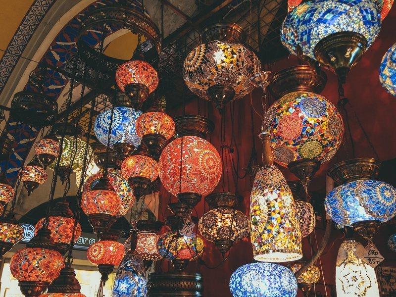 Op de Grand Bazaar shop je de mooiste items voor je interieur.