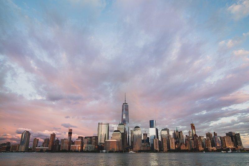 De prachtige skyline van Manhattan vanaf de wijk Williamsburg.
