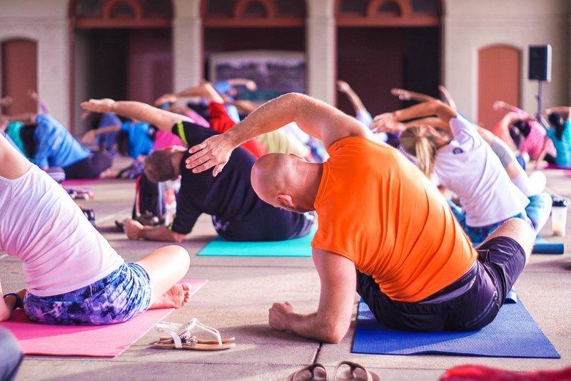 Word wakker met een lesje yoga.