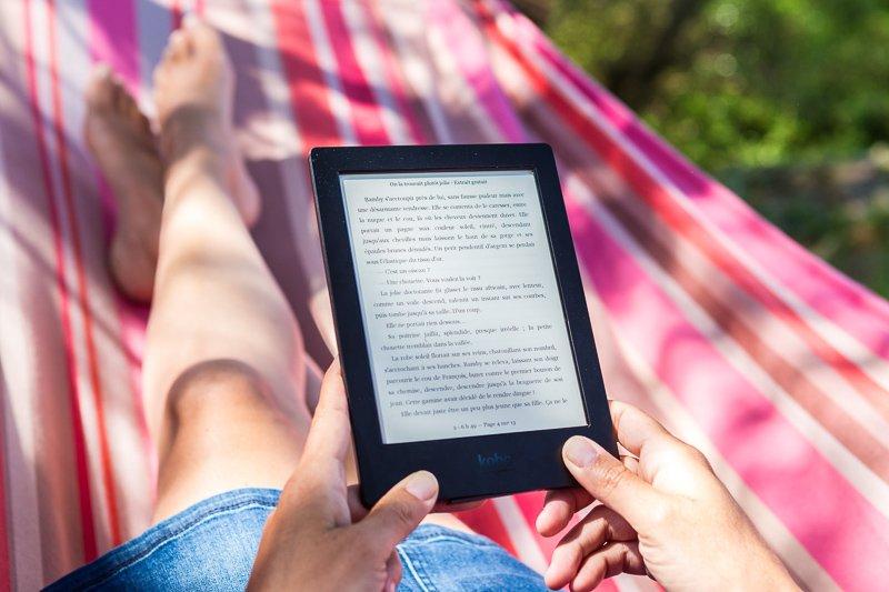 Houd jij van lezen en ben je op zoek naar leuke reiscadeaus voor jezelf? Koop dan een E-reader!