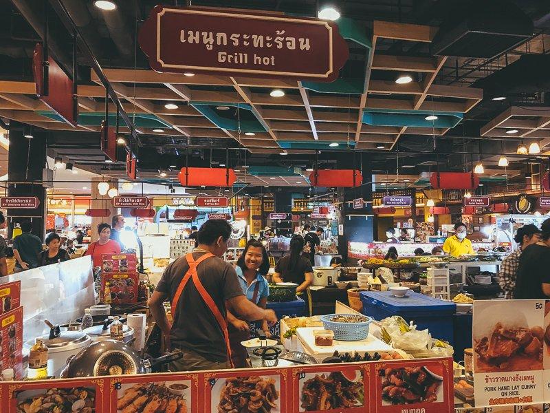 De avondmarkt van Chiang Mai.