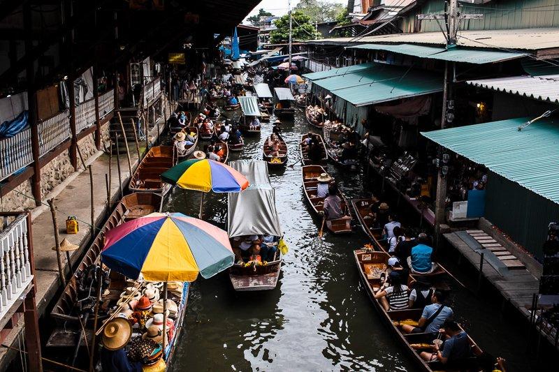 Een van de leukste Bangkok tips zijn de floating markets