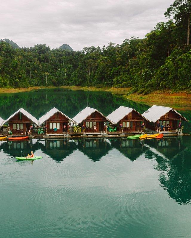 De bungalows in het Khao Sok National Park.